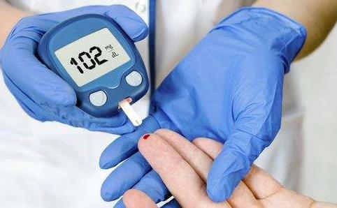 吃什么食物能降血糖,苦瓜降血糖是骗人的吗?